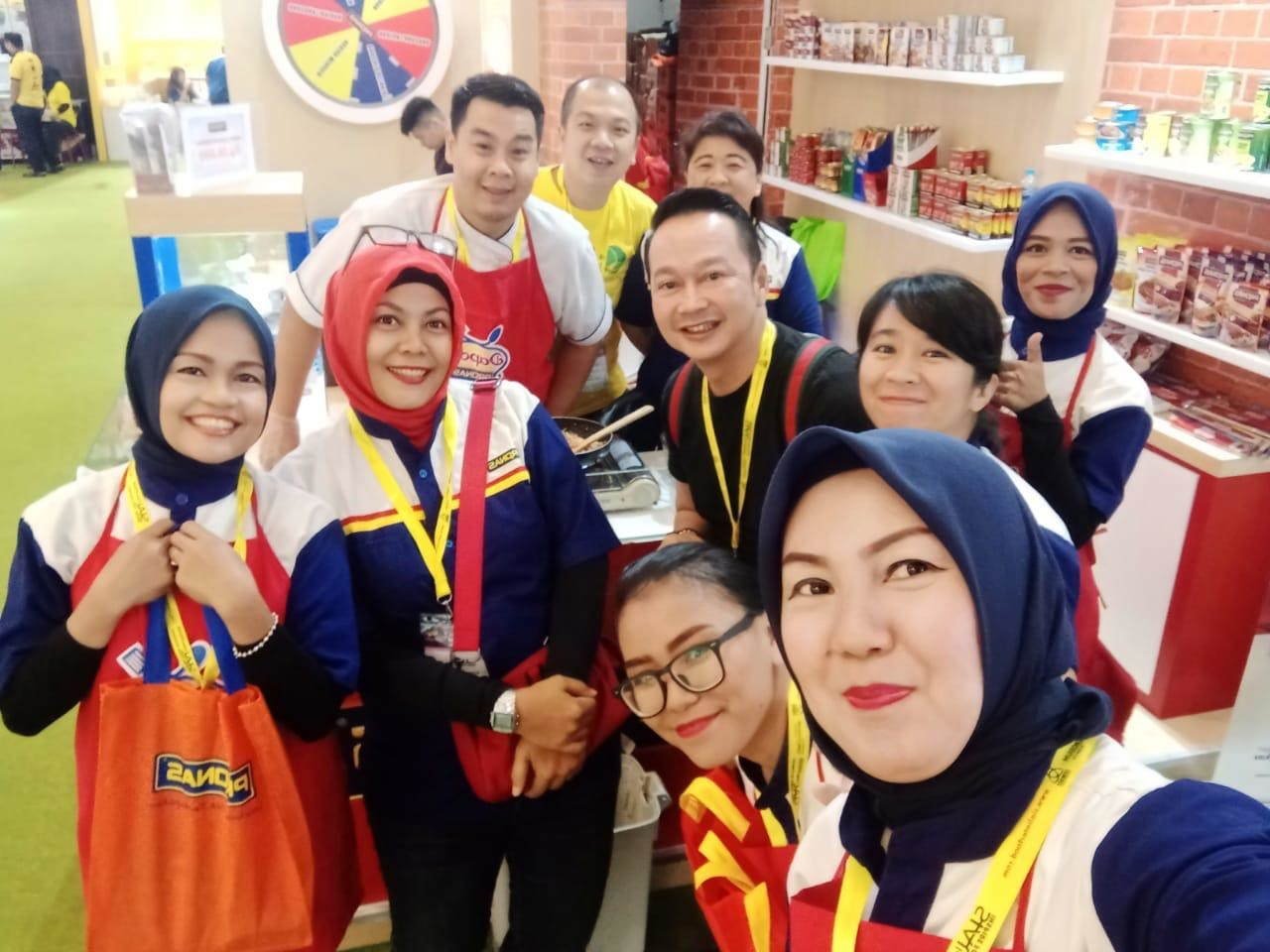 Keseruan booth Pronas di SIAL Interfood 2019