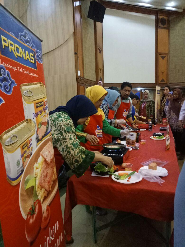 Dapoer Pronas Club Perkumpulan Departemen Sosial RI